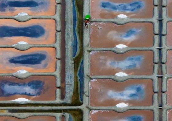 Vue aérienne des marais salants de Guérande